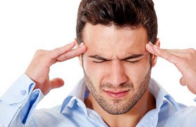 El ronquido y el dolor de cabeza; tratar los ronquidos reduce el riesgo de aparición de dolor de cabeza por lamañana.